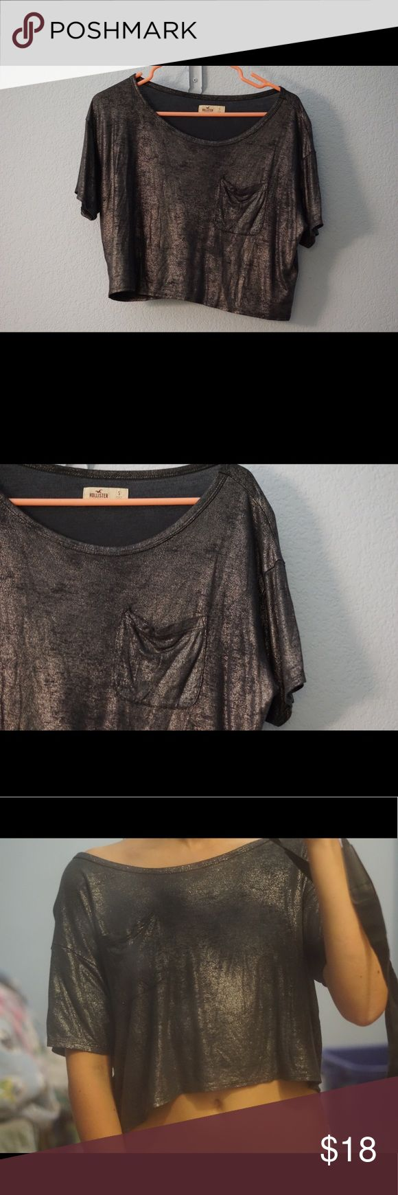 Metallic Crop Top Shimmery, flowy & oversized! Will fit xsmall - medium depending how loose or tight you want it. Never worn ✨ tags:glitter,sparkly,metallic,shimmer,boxy,pocket,shiny,concert,festival,rave,americaneagle,urbanoutfiterrs Hollister Tops Crop Tops