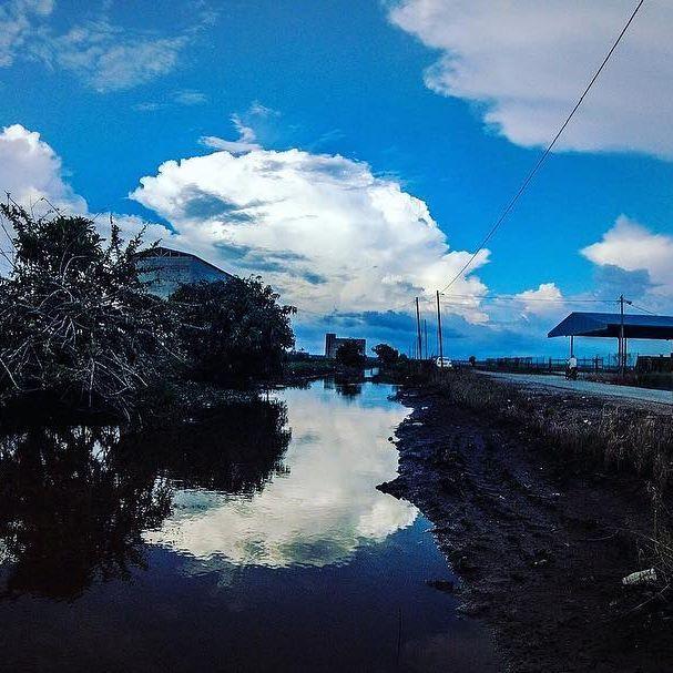 SEKINCHAN, Selangor, Paddy Field. Round Mirror Cloud.  Camera : Gopro Hero 5 Aperture : f/2.8 Shutter speed : 1/1500 sec ISO : 100 Photographer : @ryanhoo  follow our instagram - ryphotography2u  #ryphotography2u #photography #gopro #goprohero5 #goprooftheday #potd #selangor #malaysia #asia #cloud #paddy #ryanhoophotography #landscape #enviroment #gopromalaysia