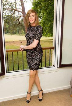 My new fantastic dress ^_^: nina.xxy.fr/la-petite-robe-noire-en-dentelle/ travesti.fr - Princess Lace Dress