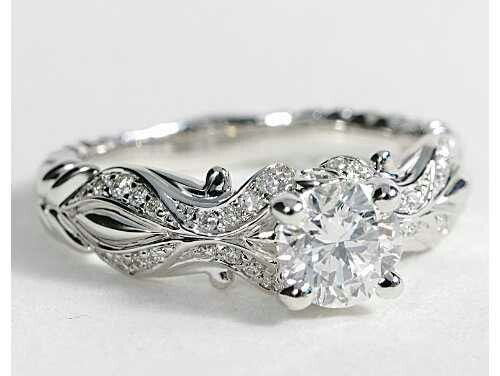 Wedding ring idea................amazing, with a colored diamind, like blue or yellow :)