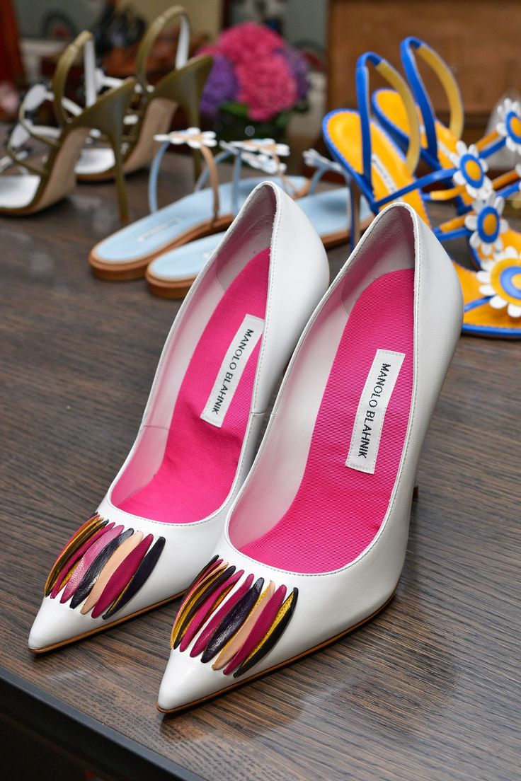 manolo blahnik sale litchfield ct 2014