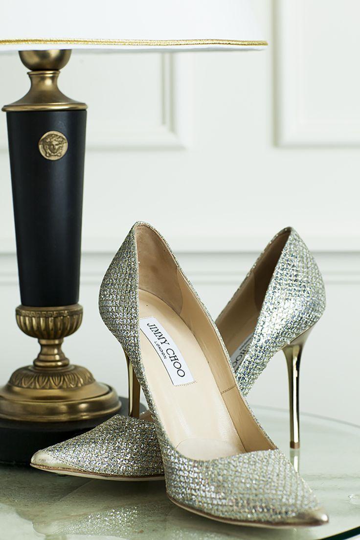 Ślubne trendy 2015 – buty dla panny młodej. #buty #ButyDamskie #ButySlubne #obuwie #slub  Otwiera się przed nami nowy sezon ślubny, a wraz z nim nowe trendy. Na początek głowę przyszłej panny młodej zaprząta wybór sukni. Drugą w kolejności rzeczą, którą wybierają panie są najczęściej buty ślubne. W tym artykule podpowiadam co będzie się nosić w przyszłym sezonie. Poznaj najnowsze trendy na 2015 rok!