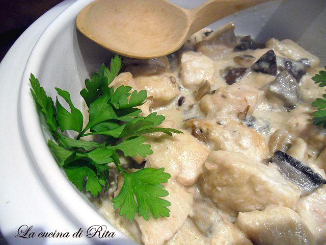 Bocconcini di pollo cremosi ai funghi / mushrooms chicken