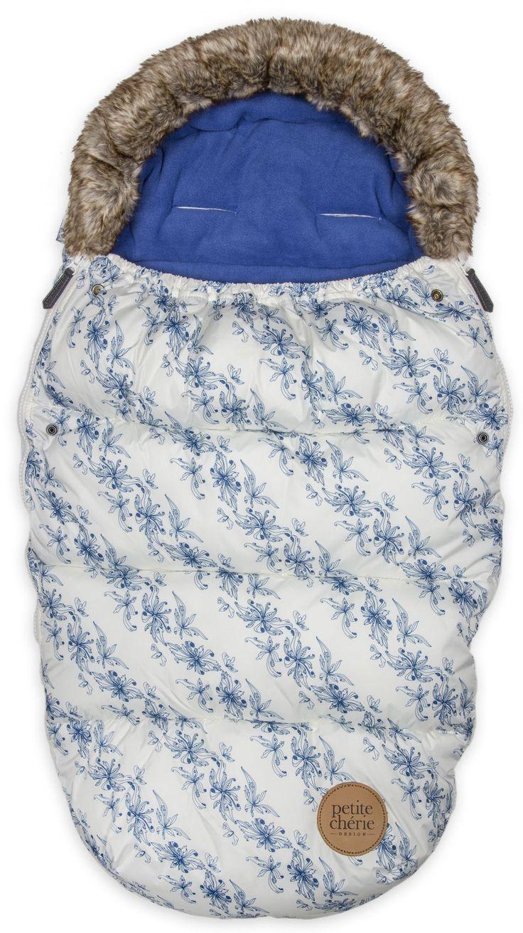 En lekker vognpose med fluffy teddypels og varmt fôr, perfekt hele vintersesongen. Petite Chérie Vognpose Animal er en universalmodell som passer de fleste på barnevogner på markedet.<br><br>Petite Chérie Vognpose har et yttertøy av vannavstøtende polyester som også beskytter godt mot vinden. Fôret på sin side er laget av god og varmende fleece så ditt barn kan sitte eller ligge riktig så lunt på trilleturen – uansett vær. <br><br>Denne vognposen har også en meget guns...