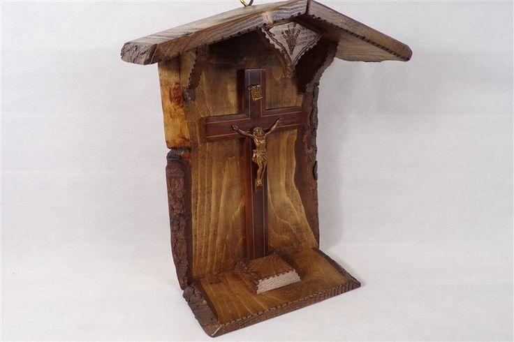 Autel chasse ex voto vitrine religieuse christ objet de dévotion religion catholique bois fabriqué en France artisanat Français de la boutique decobrock sur Etsy
