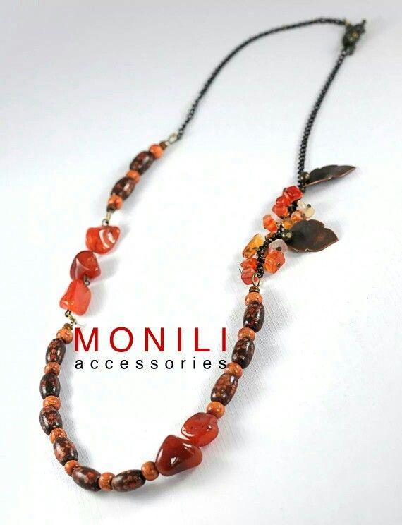 wood and orange beads necklace by MONILI