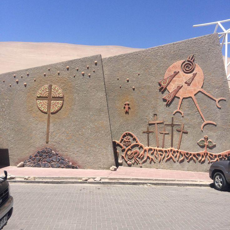 Fachada Cementerio de Azapa, Arica, Chile.