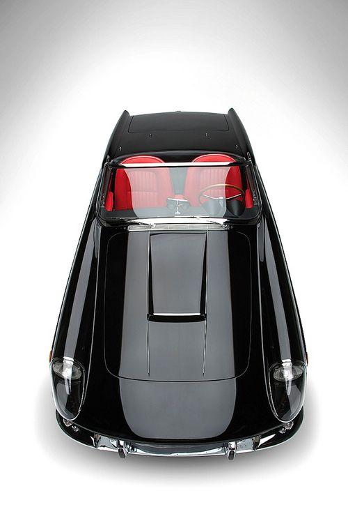 Ferrari 400 Superamerica Cabriolet.