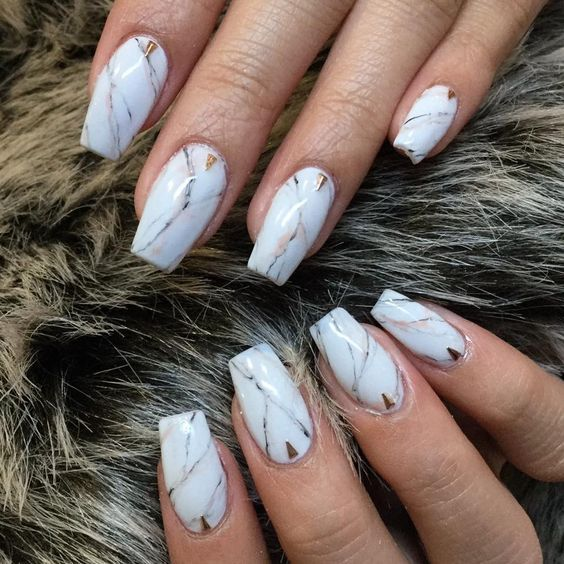 Are you looking for short coffin acrylic nail design that are excellent for this season? See our collection full of cute short coffin acrylic nail design ideas and get inspired!