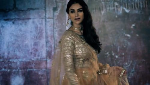 Behind the scenes with Aditi Rao Hydari for Mohey, handpicked Celebration Wear for women, from the house of Manyavar. #ComingSoon https://video.buffer.com/v/590df427851df5b135350032