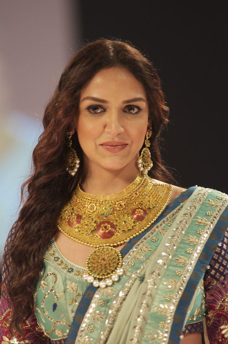 A bride should be as glamorous as Esha Deol, the #Azva bride from India Bridal Fashion Week 2012 #BeautifulBrides