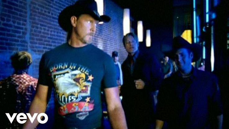 "Official video of Trace Adkins's Honky Tonk Badonkadonk from the album Dangerous Man. Buy It Here: http://smarturl.it/xztfx5 The video version of ""Honky Tonk..."