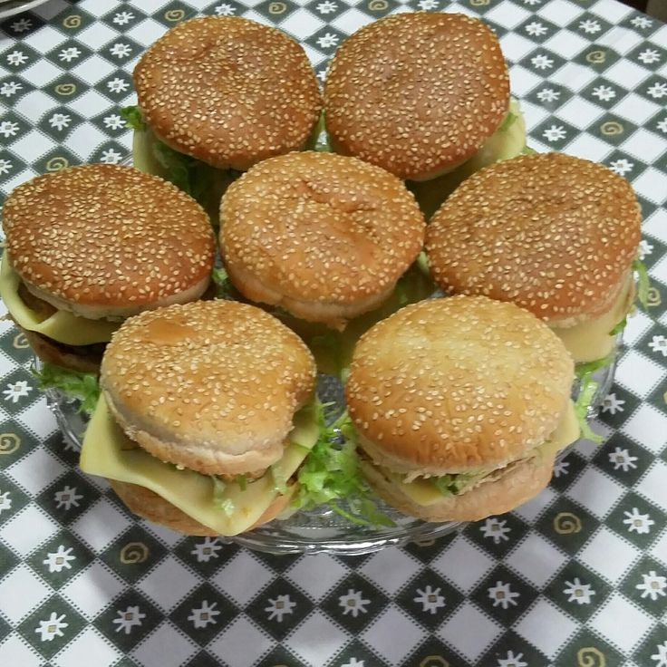 Receita de Sanduíche tipo Big Mac. Enviada por juliana jaime e demora apenas 30 minutos.
