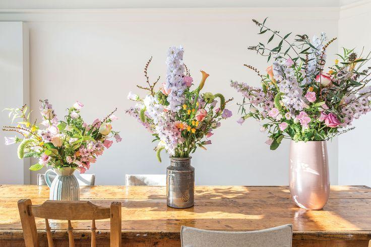 """De lente laat steeds meer van zich horen buiten, maar haal de lente binnen met de """"Flower power"""" woontrend! Laat je inspireren door onze nieuwe blog op http://100procentkast.nl/blog/de-flower-power/"""