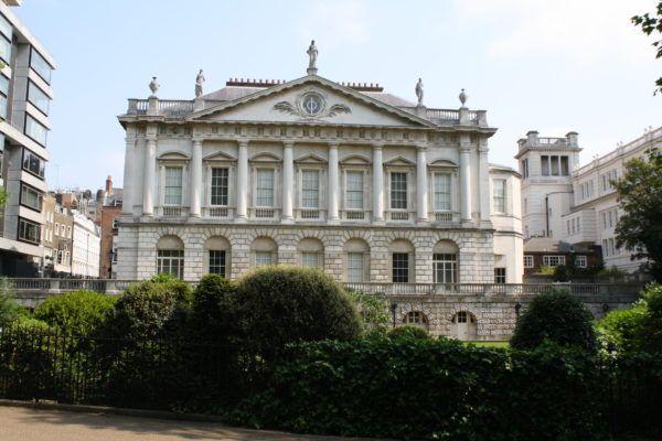 Королевские резиденции. Кларенс-хаус