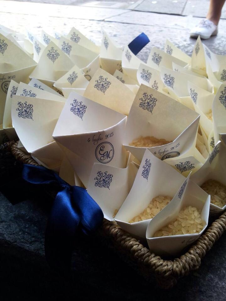 Un conetto originale e super personalizzato. #edigistudio #blu #wedding #matrimonio
