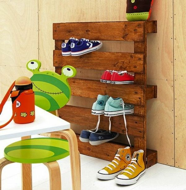 die besten 25 schuhregal holz ideen auf pinterest europalette schuhregal diy schuhregal und. Black Bedroom Furniture Sets. Home Design Ideas