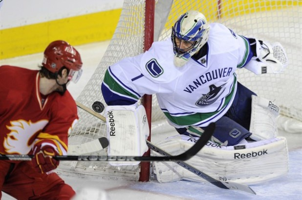 Luongo makes 40 saves as Vancouver Canucks beat Calgary Flames | Metro on April 10th, 2013.
