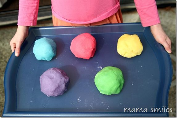 How to easily make several colors of play dough, along with the best play dough recipe (complete with photographs) from mamasmiles.com