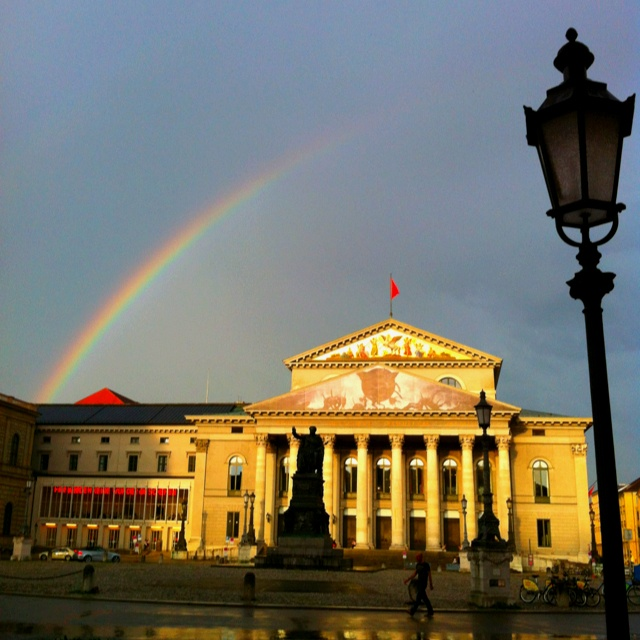 Bayerische Staatsoper - Bavarian State Opera - check out the extra cheep tickets for students!