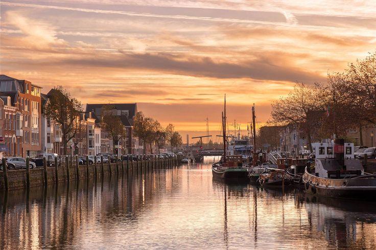 https://flic.kr/p/PtFzmt | Maassluis in hollandslicht | Maassluis tijdens het gouden uur