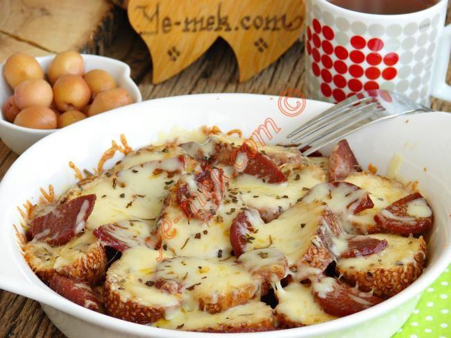Fırında Yumurtalı Bayat Simit Kebabı Resimli Tarifi - Yemek Tarifleri