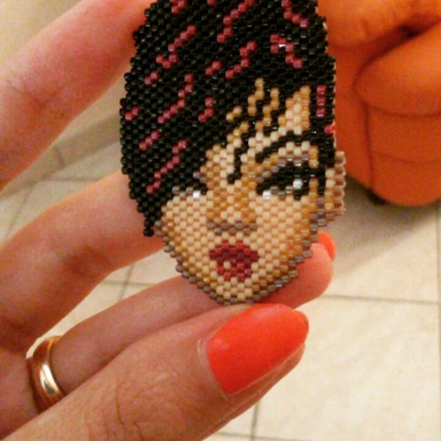 https://www.craftsy.com/jewelry/patterns/rihanna/498897 #rihanna #peyotestitch #seedbeads #beads #perline #delica #miyuki #pendant #ciondolo #pendente #schema #scheme #pattern #pdf #pdfpattern #craftsy #tissage