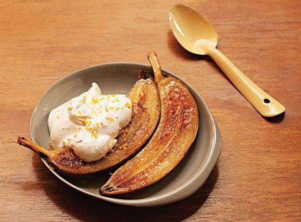 Receita especial da Rita Lobo, banana dourada com merengue. Um receita simples e sofisticada que você pode preparar em casa.