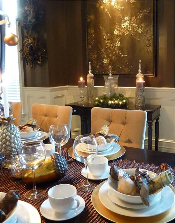 17 best images about christmas decor ideas on pinterest for Dining room tablescapes ideas