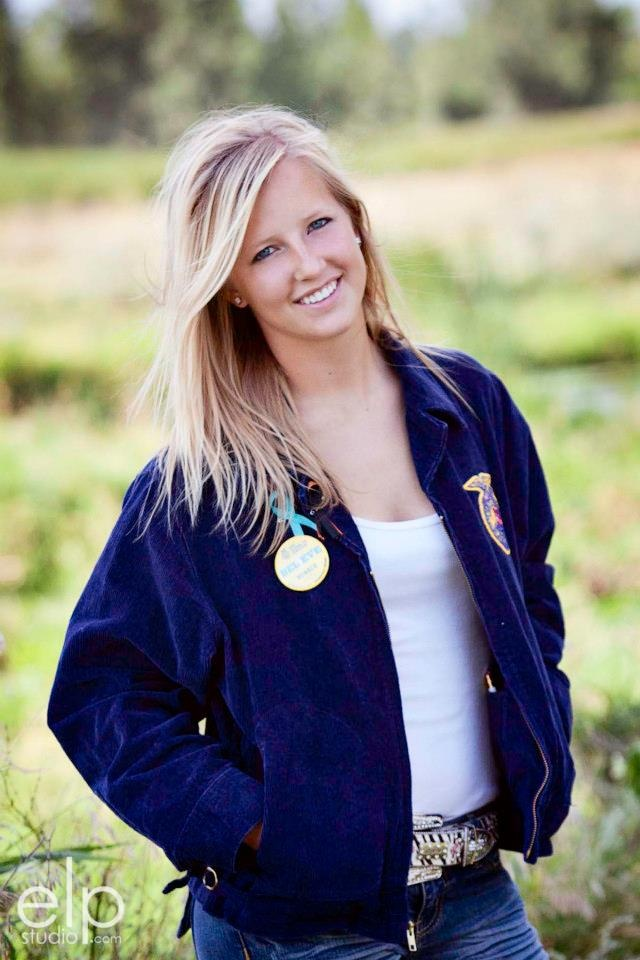 Had to post my FFA Senior Picture :)