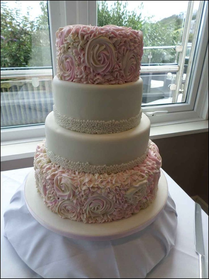 plain wedding cakes to decorate yourself best 25 plain wedding cakes ideas on 2 tier 18644
