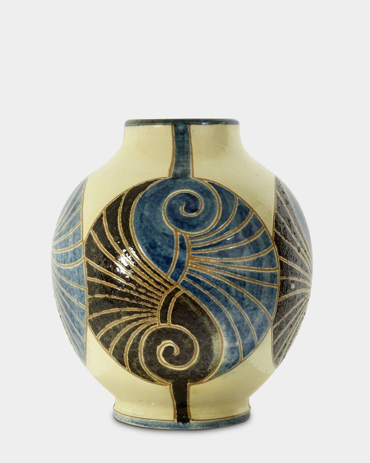 Vase by Aksini