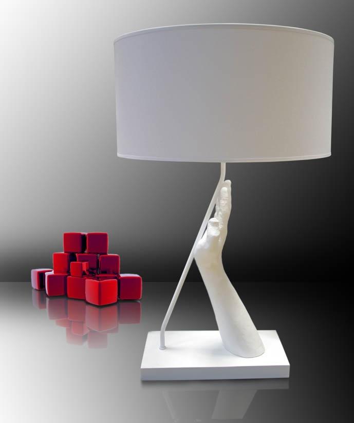 Lámparas de sobremesa modelo STOP. Iluminación Beltran, tu tienda de iluminación más completa en Internet. www.lamparasyapliques.com