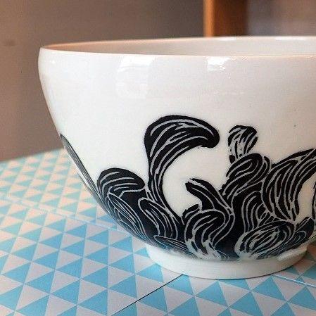 Vagues noires / Porcelain bowl - Un Hibou dans la Tasse ©