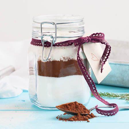 Anna lahjaksi herkullisia hetkiä – kokoa purkkiin taivaallisten brownieiden kuivat raaka-aineet.