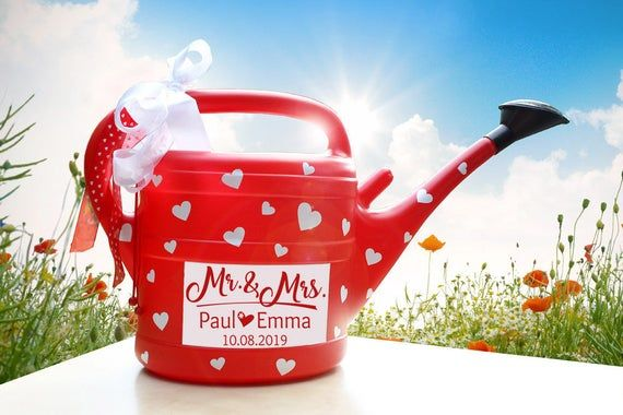 Wedding Gift Mr Mrs Red 10l Gifts Wedding Gifts Gift Table