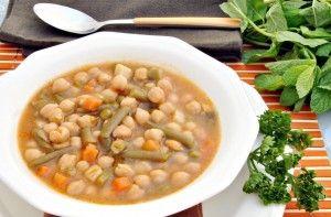 Une recette de famille : le potaje, soupe pied-noire très nourrissante http://www.gourmicom.fr/une-recette-de-famille-le-potaje-soupe-pied-noire-tres-nourrissante/