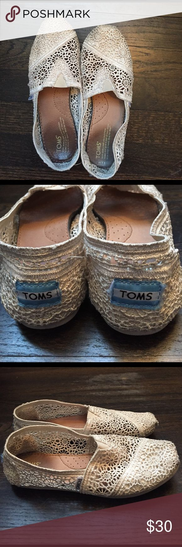 Lace Toms shoes Size 7.5 Good condition lace toms size 7.5. Fit true to size. Very comfy and pretty cream white color! Only wore a couple of times! TOMS Shoes Flats & Loafers