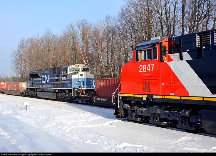 Net Photo: CN 8100 Canadian National Railway SD70ACe P6 At Saginaw,