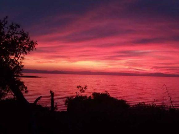 Νότια προάστια: «Πήρε φωτιά ο ουρανός» (ΕΙΚΟΝΕΣ) – geitoniamou.gr