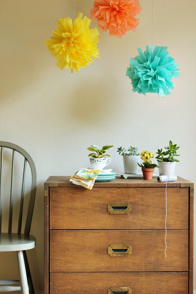 Crepe paper pompoms by Jenny of Hank and Hunt