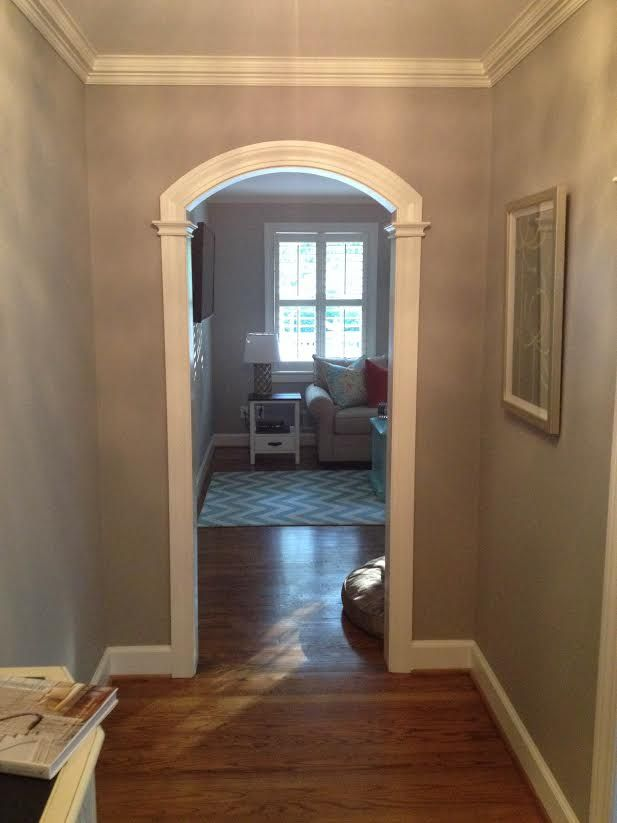 Small Archway Opening In Foyer Ranch Style House Archways In Homes Arched Doors Family Room Layout