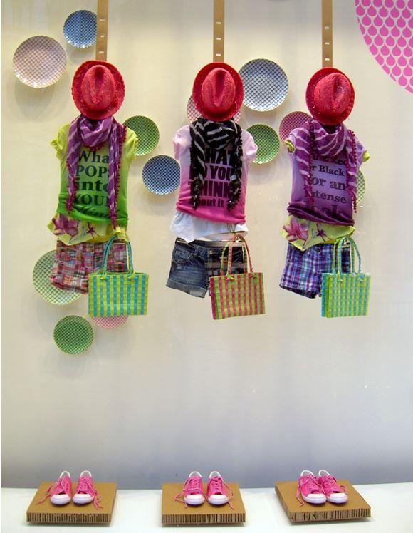 Pi di 25 fantastiche idee su vetrine di negozio di for 2 negozio di storie con alloggi