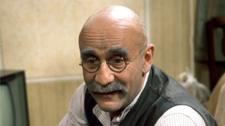 The life and career of award-winning actor Warren Mitchell, who was best known for his portrayal of Alf Garnett, the country's favourite bigot.