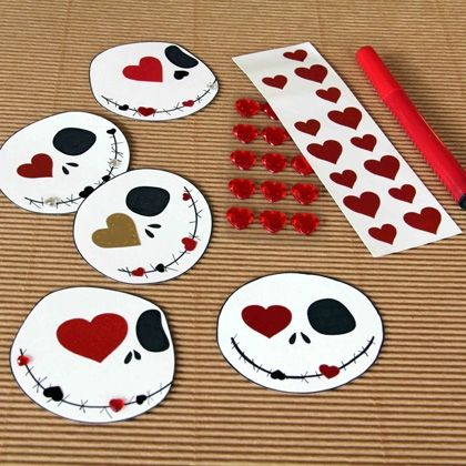 Why limit Jack Skellington to only two holidays? Let the Pumpkin King live on for V-Day too, with this easy printable Nightmare Before Christmas Valentine's Day card.