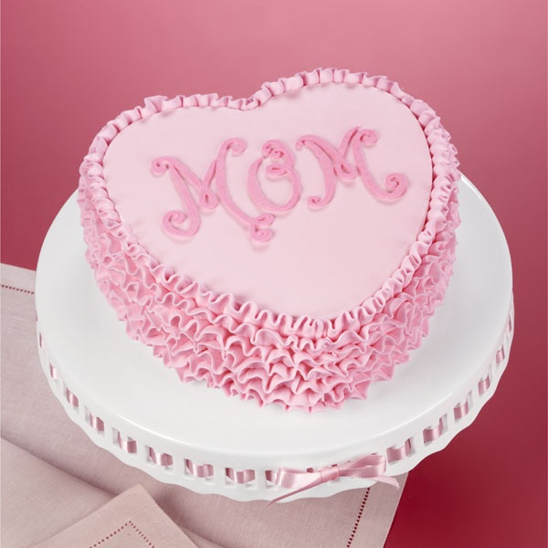 Birthday Cake Design For A Mother : A symbol of Mom s love, this heart-shaped cake is elegant ...