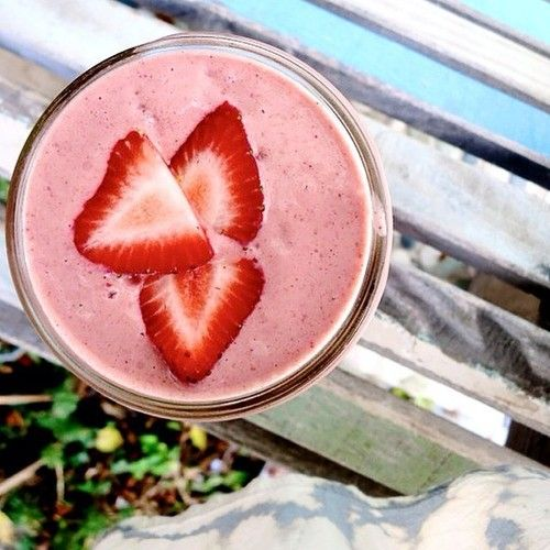 Strawberry Bliss Smoothie 1/2 frozen banana, handful strawberries, 1 tbs almond butter, 1 scoop Sunwarrior vanilla protein and almond milk. Simply delicious!