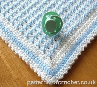 Free baby crochet pattern for crib blanket http://www.patternsforcrochet.co.uk/crib-blanket-usa.html #patternsforcrochet #freecrochetpatterns