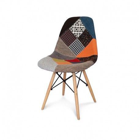 Krzesło tapicerowane na drewnianych nogach, obszyte materiałem do restauracji, salonu, jadalni.