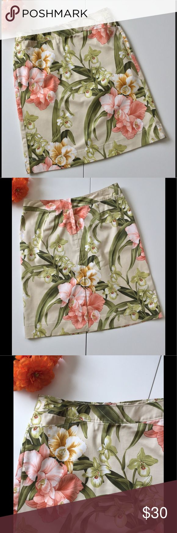 """🆕Listing 🌴 Tommy Bahama Floral Skirt Pockets 🌴 Beautiful tropical Floral print in shades of peach & green. Excellent Tommy Bahama quality. Two front pockets, back kick vent, concealed back zipper, accent stitching. 98% cotton 2% Lycra. Machine wash. Excellent used condition. Worn twice. 29"""" waist 38"""" hip 20"""" length  🎀Bundle discount  ⭐️5 star rated Suggested User 🚭Smoke free home 🚫No trades please  😍 Thank you for shopping with me. Please ask all questions before purchase Tommy Bahama…"""